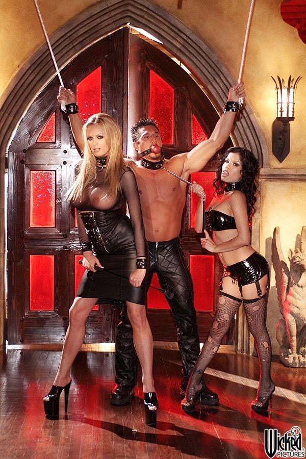 Wicked 'Secrets of the Velvet Ring Scene 1' starring Alexis Amore (Photo 21)