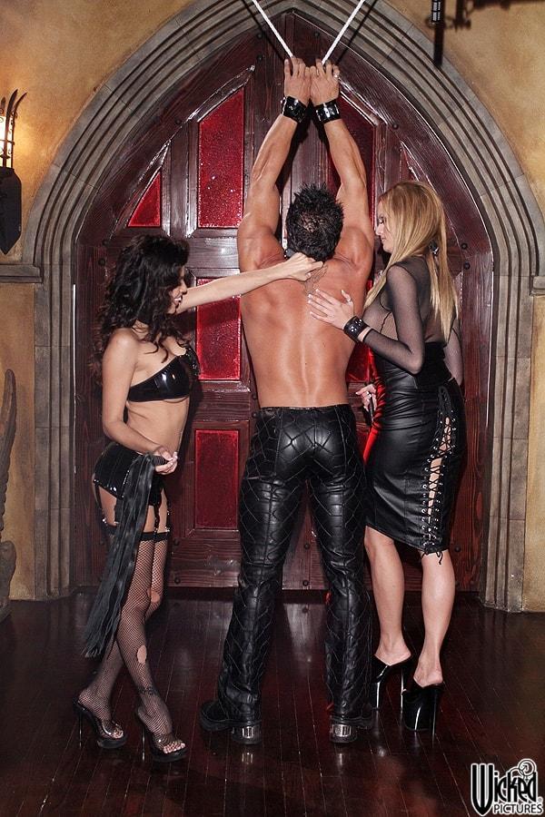 Wicked 'Secrets of the Velvet Ring Scene 1' starring Alexis Amore (Photo 28)