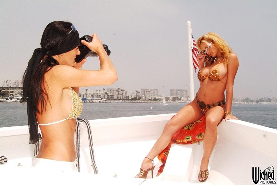 Wicked 'Island Girls Scene 13' starring Angel Cassidy (Photo 30)