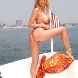 Angel Cassidy in 'Wicked' Island Girls Scene 13 (Thumbnail 35)
