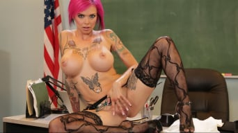 Anna Bell Peaks in 'Axel Braun's Squirt Class 3 Scene 5'