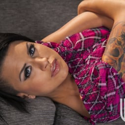 Eva Angelina in 'Wicked' Snatched Scene 5 (Thumbnail 150)