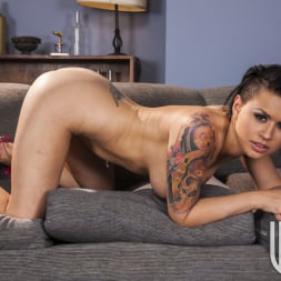 Eva Angelina in 'Wicked' Snatched Scene 5 (Thumbnail 200)