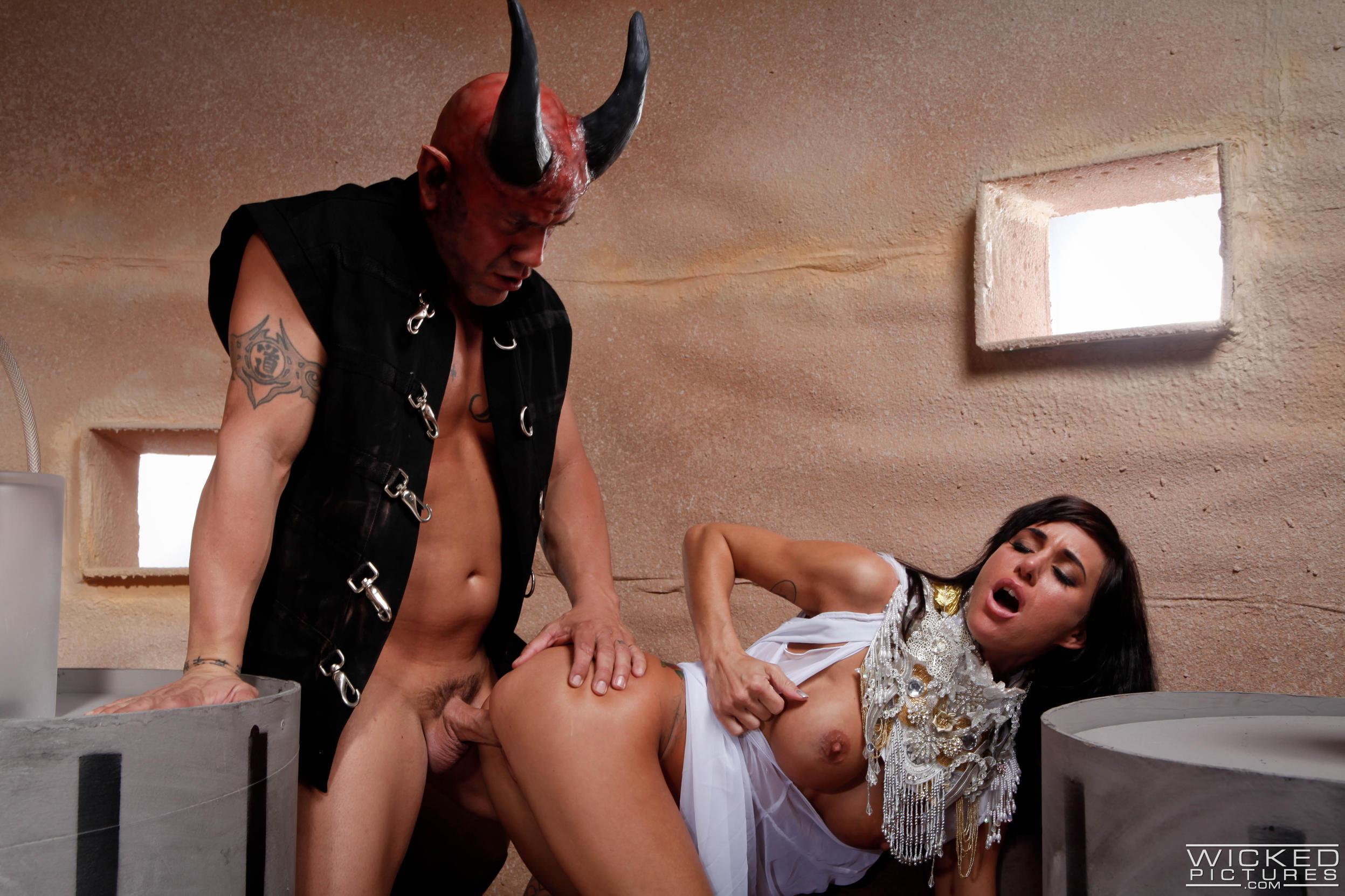 Любительская пьяная порно пародии на фильмы онлайн смотреть с переводом проститутки уфа