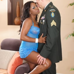 Jada Fire in 'Wicked' Gossip Scene 2 (Thumbnail 32)