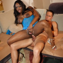 Jada Fire in 'Wicked' Gossip Scene 2 (Thumbnail 104)
