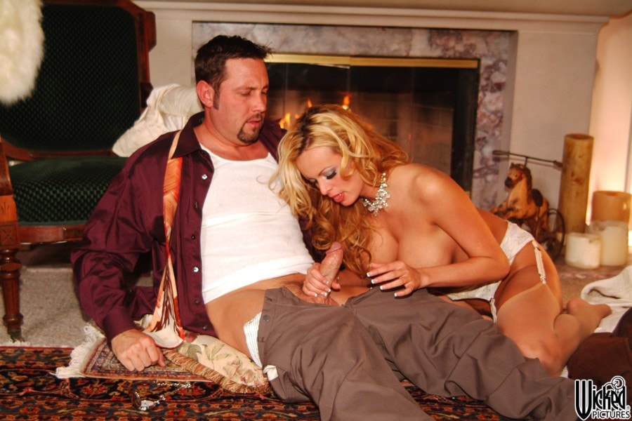 Wicked 'Beautiful Scene 5' starring Stormy Daniels (Photo 10)