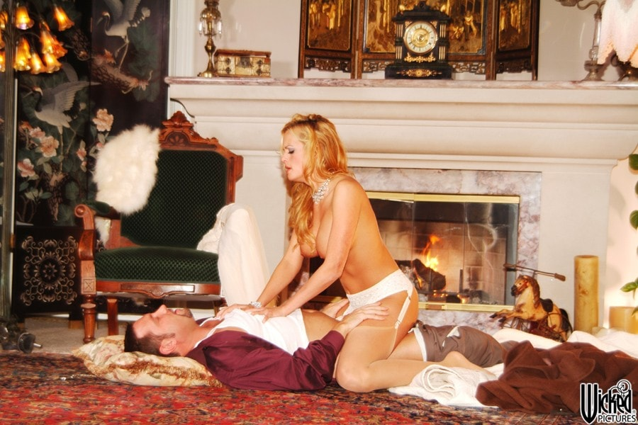 Wicked 'Beautiful Scene 5' starring Stormy Daniels (Photo 24)
