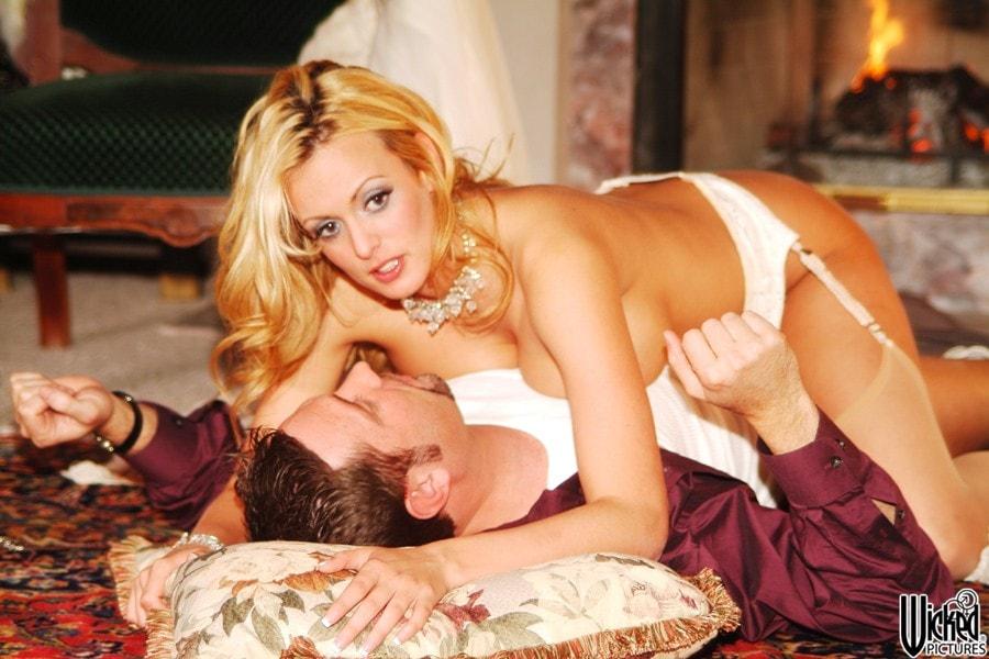 Wicked 'Beautiful Scene 5' starring Stormy Daniels (Photo 28)
