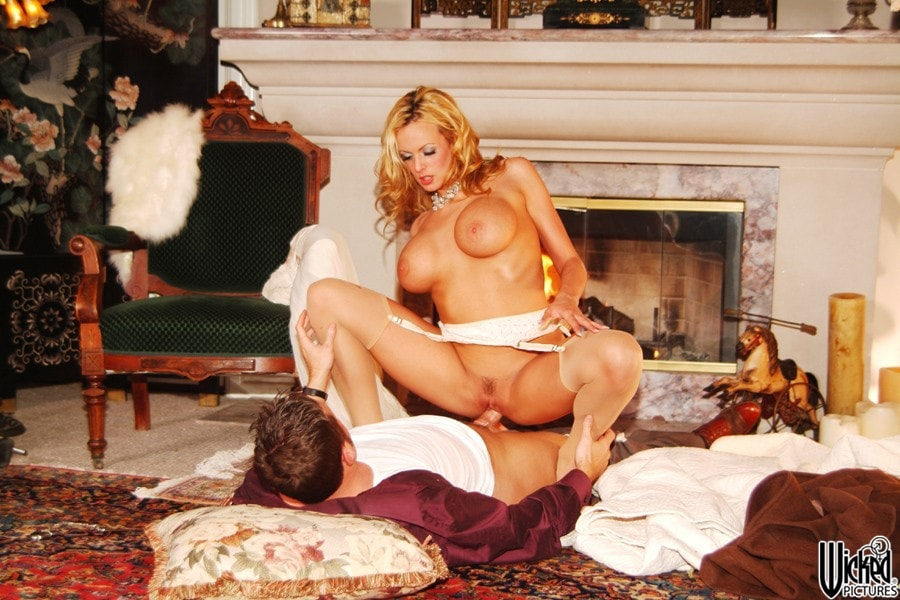 Wicked 'Beautiful Scene 5' starring Stormy Daniels (Photo 29)