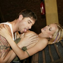 Stormy Daniels in 'Wicked' Cargo Scene 6 (Thumbnail 4)