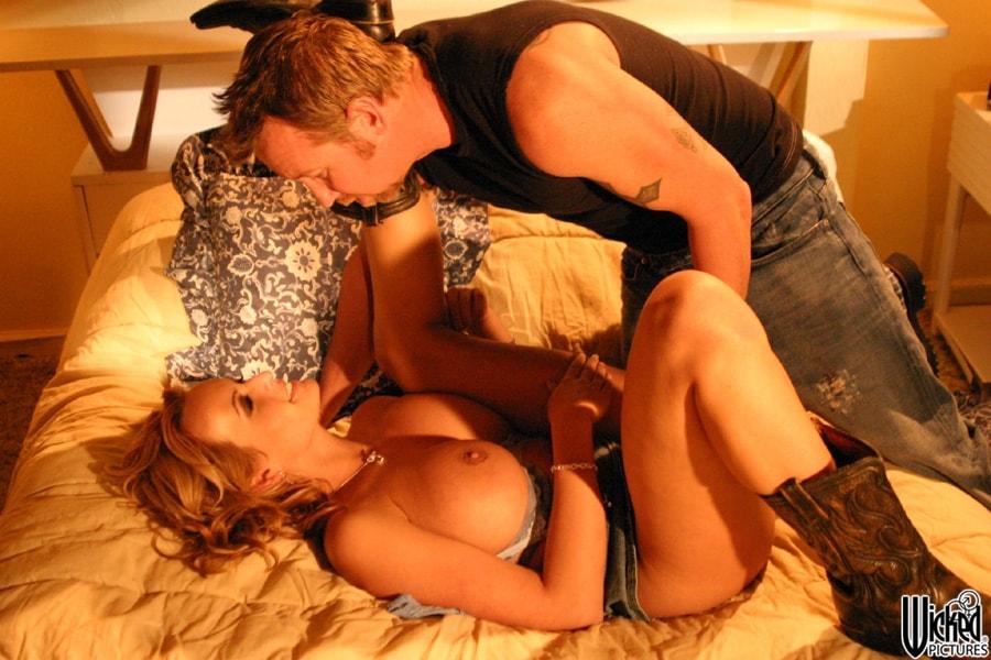 Wicked 'Highway Scene 1' starring Stormy Daniels (Photo 4)