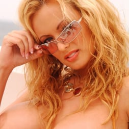 Stormy Daniels in 'Wicked' Island Girls Scene 1 (Thumbnail 65)