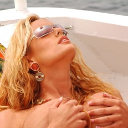 Stormy Daniels in 'Wicked' Island Girls Scene 1 (Thumbnail 80)