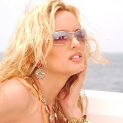 Stormy Daniels in 'Wicked' Island Girls Scene 11 (Thumbnail 60)