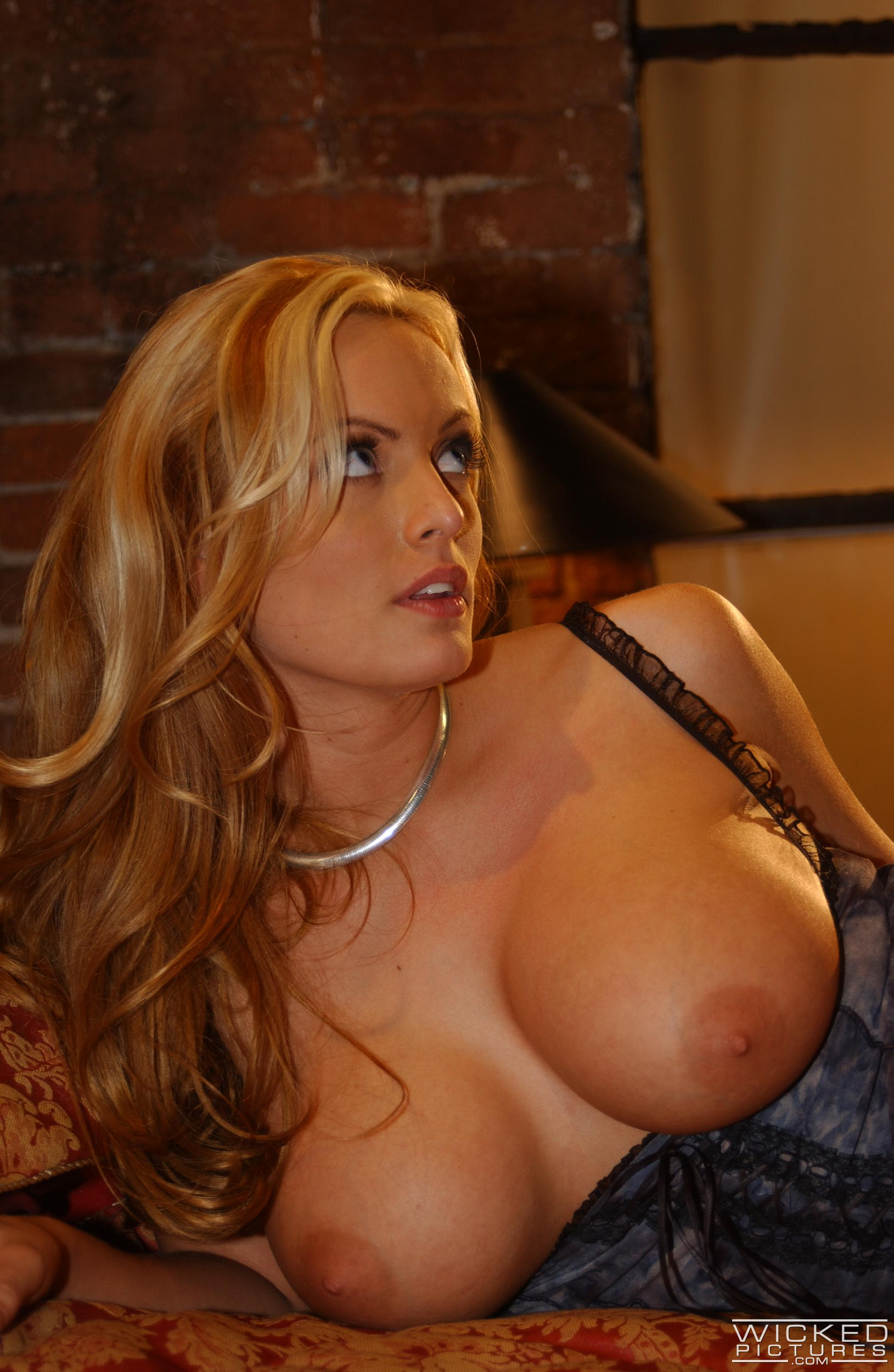 Wicked 'Not A Romance Scene 4' starring Stormy Daniels (Photo 36)