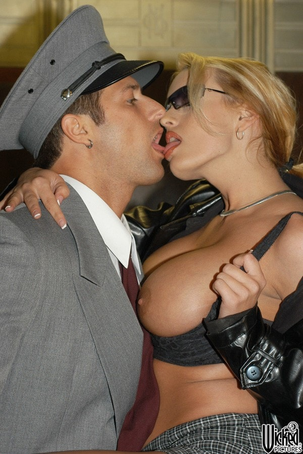 Wicked 'Skin Deep Scene 6' starring Stormy Daniels (Photo 3)