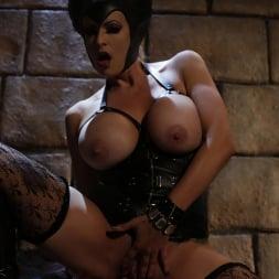 Stormy Daniels in 'Wicked' Sleeping Beauty XXX: An Axel Braun Parody Scene 4 (Thumbnail 39)