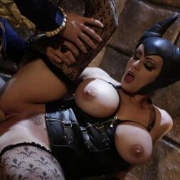 Stormy Daniels in 'Wicked' Sleeping Beauty XXX: An Axel Braun Parody Scene 4 (Thumbnail 44)