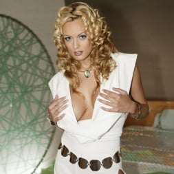 Stormy Daniels in 'Wicked' Spacenuts Scene 1 (Thumbnail 3)
