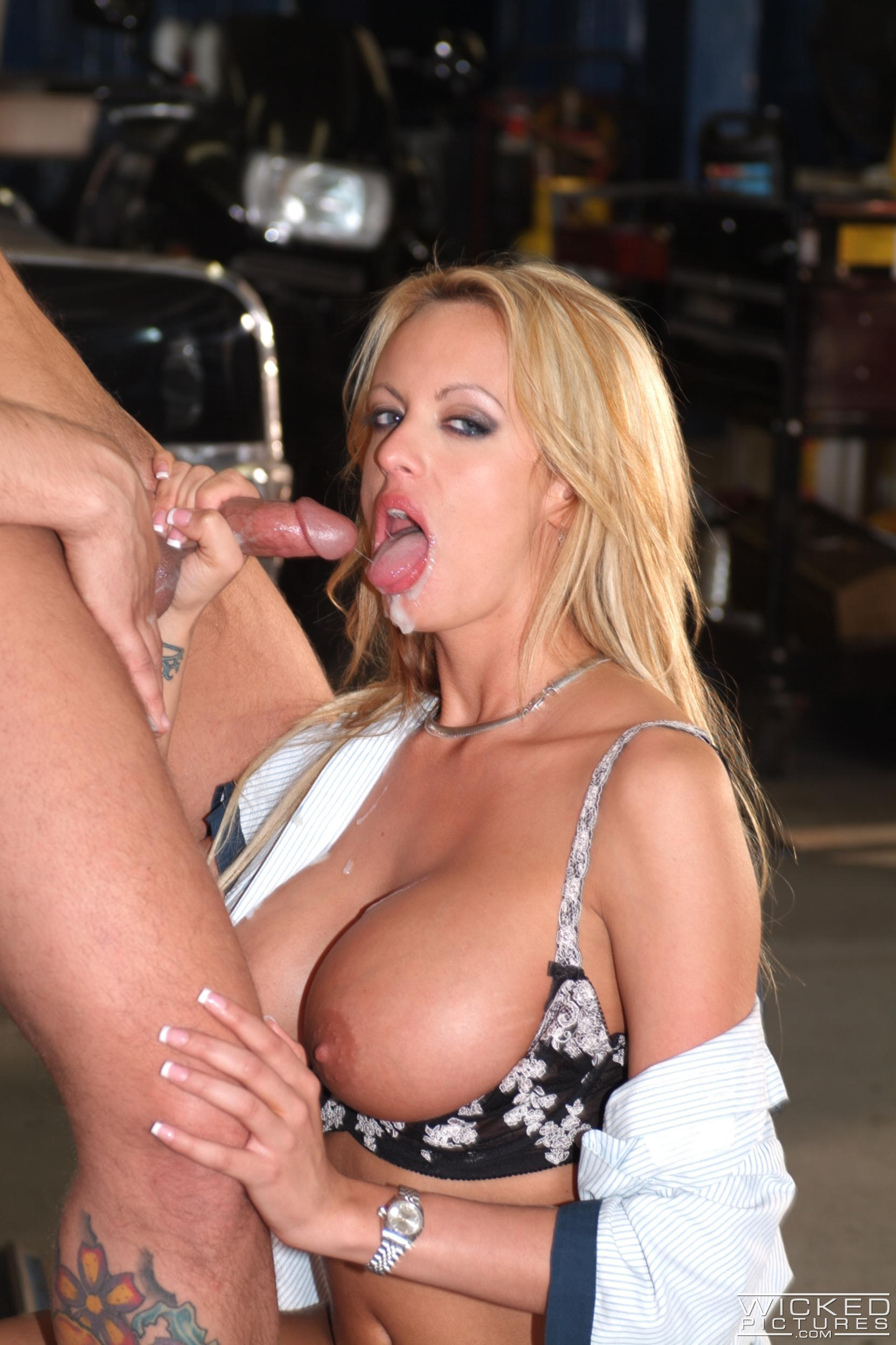 Wicked 'The Closer Scene 7' starring Stormy Daniels (Photo 44)