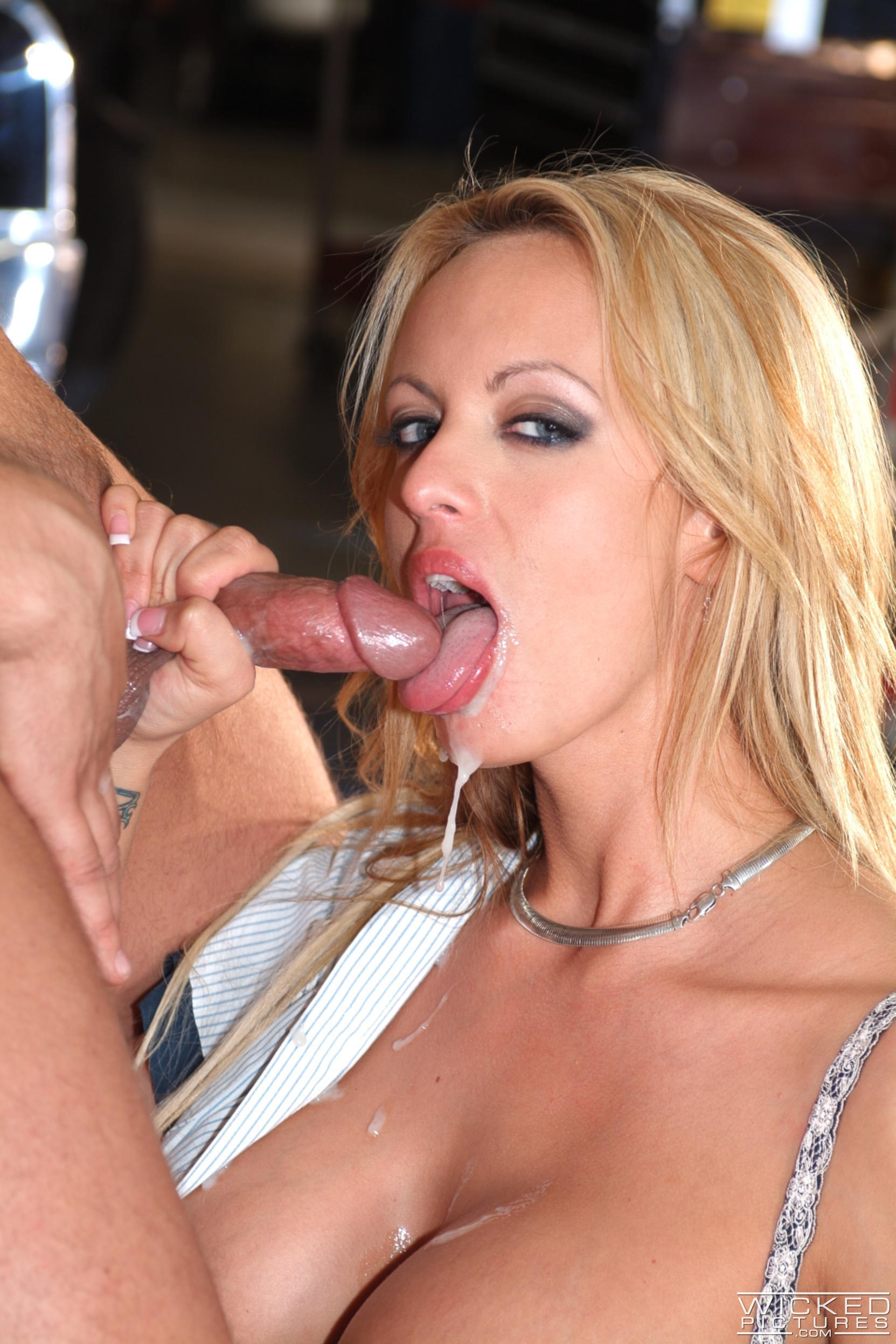 Wicked 'The Closer Scene 7' starring Stormy Daniels (Photo 48)