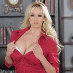 Stormy Daniels in 'Wicked' The Real Thing Scene 1 (Thumbnail 6)