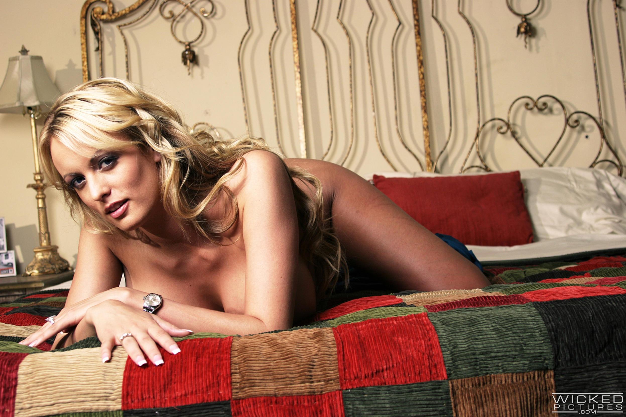 Wicked 'Watching Samantha Scene 1' starring Stormy Daniels (Photo 6)