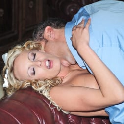 Stormy Daniels in 'Wicked' What's A Girl Gotta Do Scene 2 (Thumbnail 6)